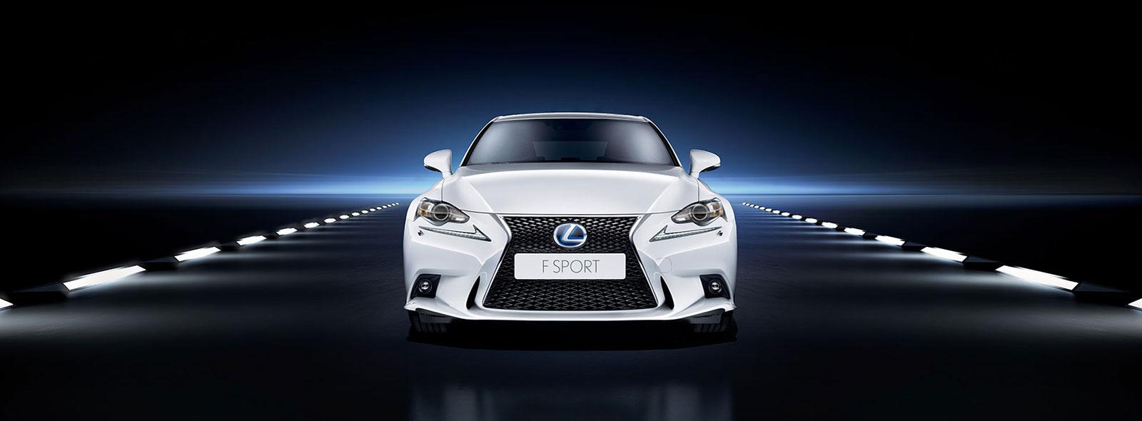 Lexus IS 300h F Sport Front