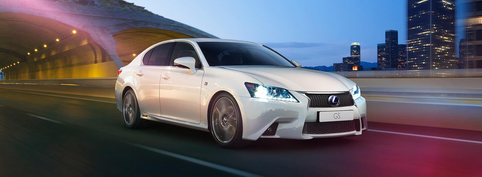 Lexus GS Hybrid Drive in Arctic Pearl