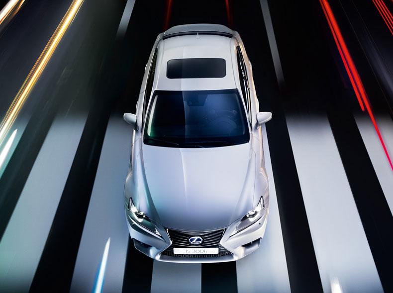 Lexus IS 300h Hybrid Drive