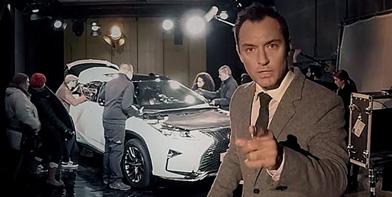 Інтерактивна вистава «Життя устиліRX» заучасті Джуда Лоу відзнята уформаті панорамного відео 360˚