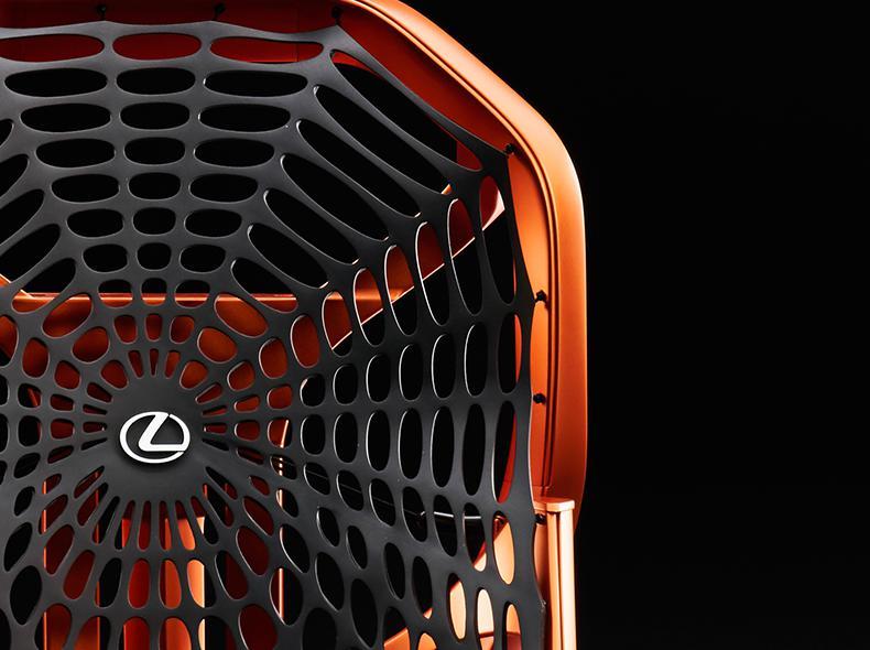 Lexus ի կինետիկական նստելատեղ