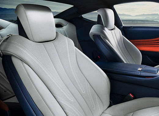 Lexus LC avtomobilində premium dəri interyer