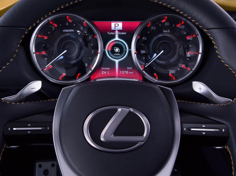 Lexus LF NX Concept avtomobilinin cihazlar paneli