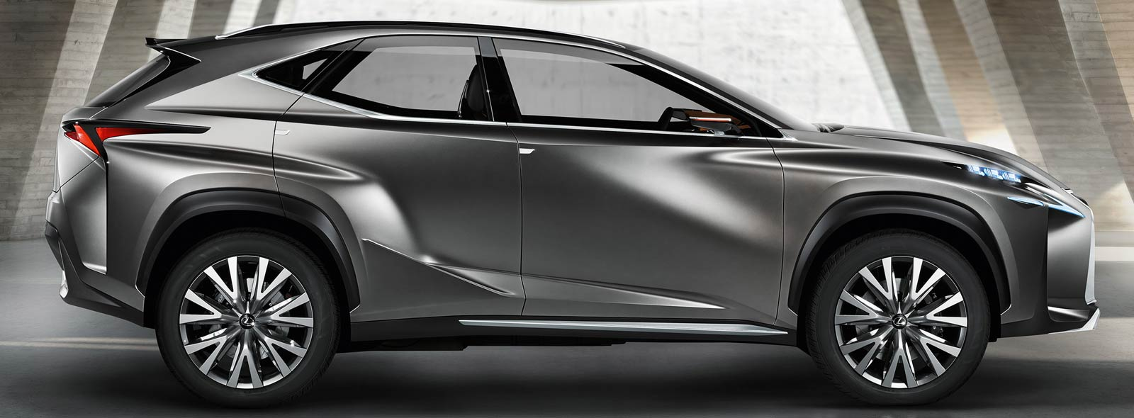 Yan görünüş Lexus LF NX konsepsiyası