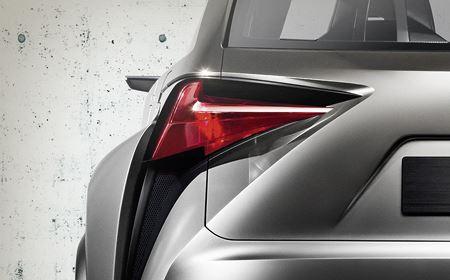 Lexus LF NX Concept avtomobilinin arxa işıqları