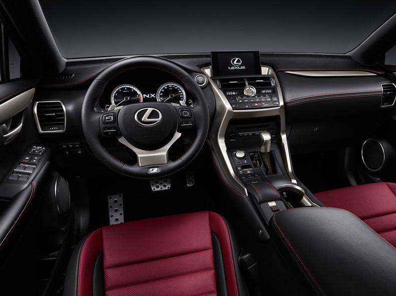 Lexus NX 200t avtomobilinin mükəmməl interyer görüntüsü