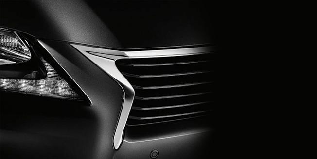 Передняя решетка радиатора Lexus GS