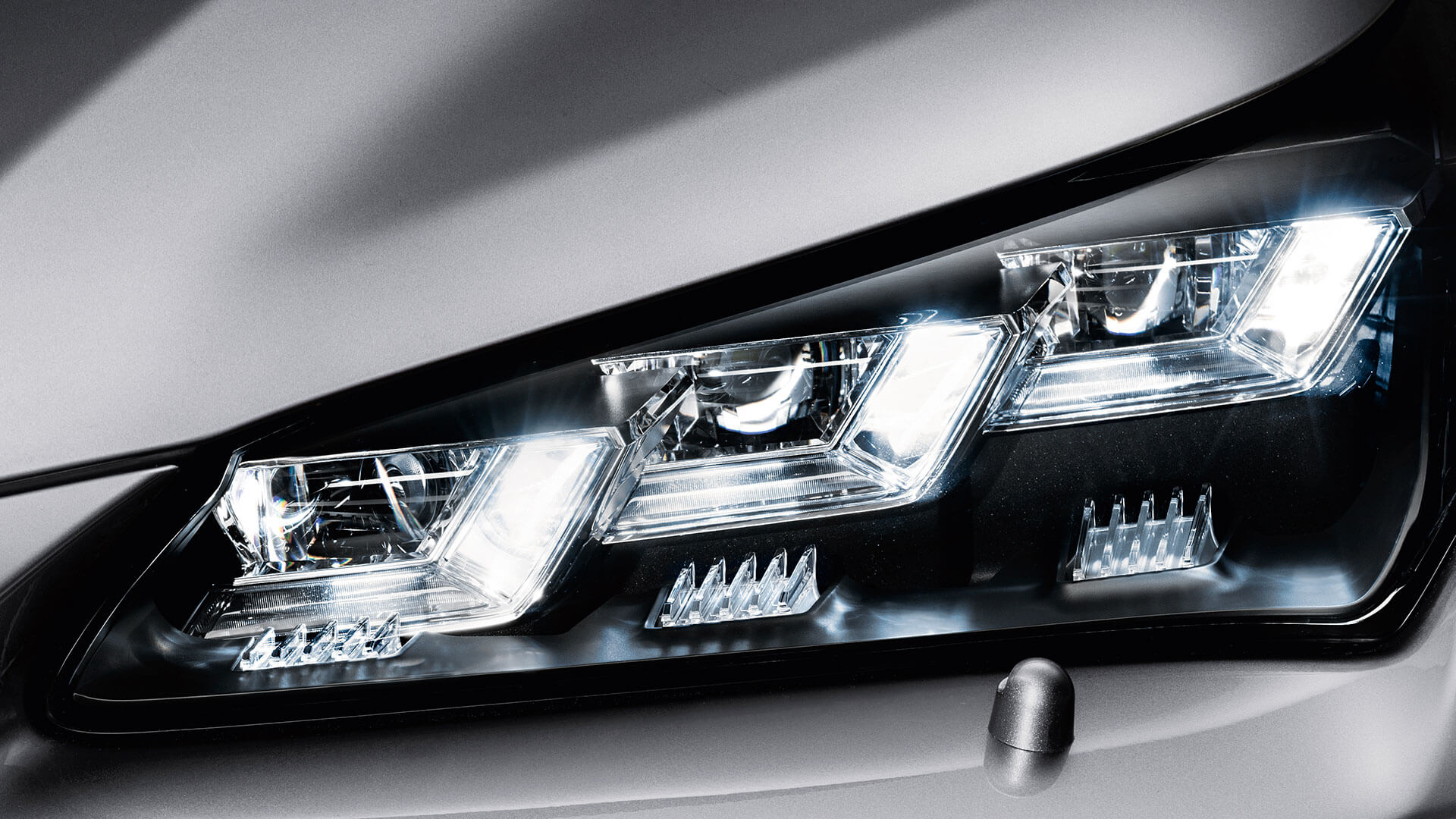 2017 lexus nx 300h features automatic high beam