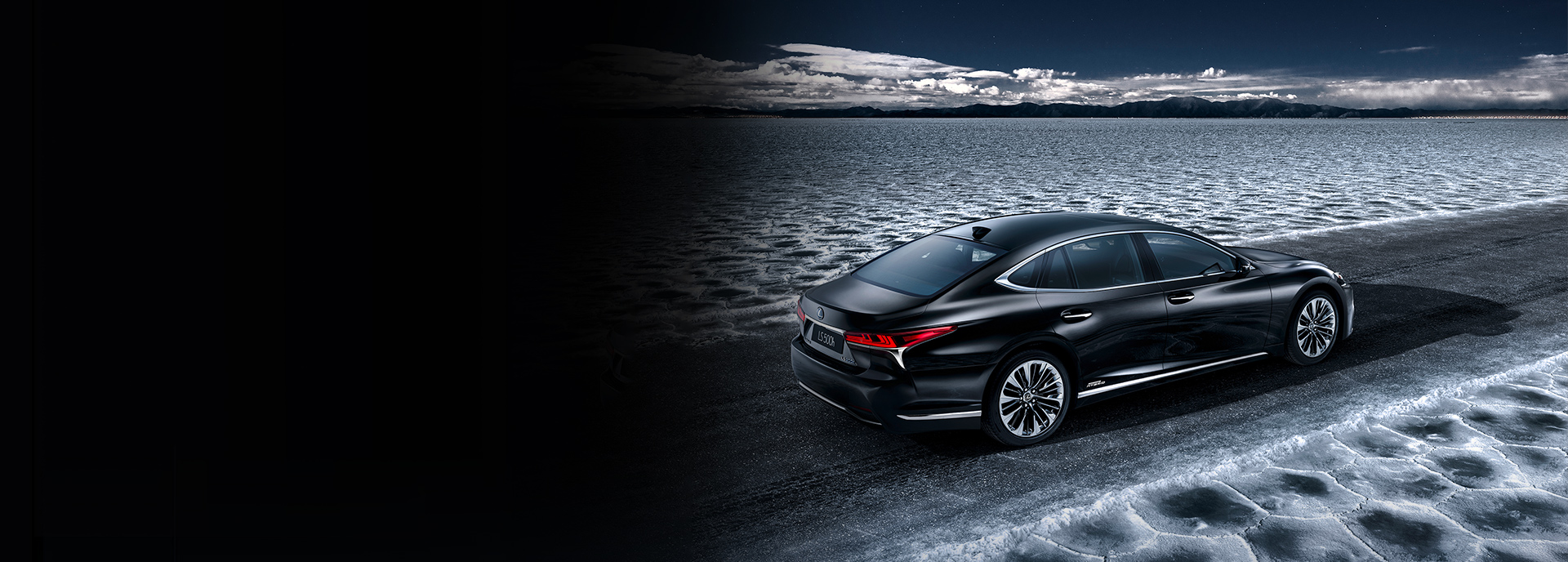 2018 Lexus LS 500h Geneva Hero