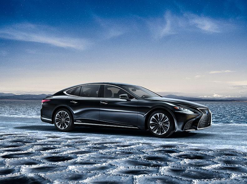 2018 Lexus LS 500h Gallery 01
