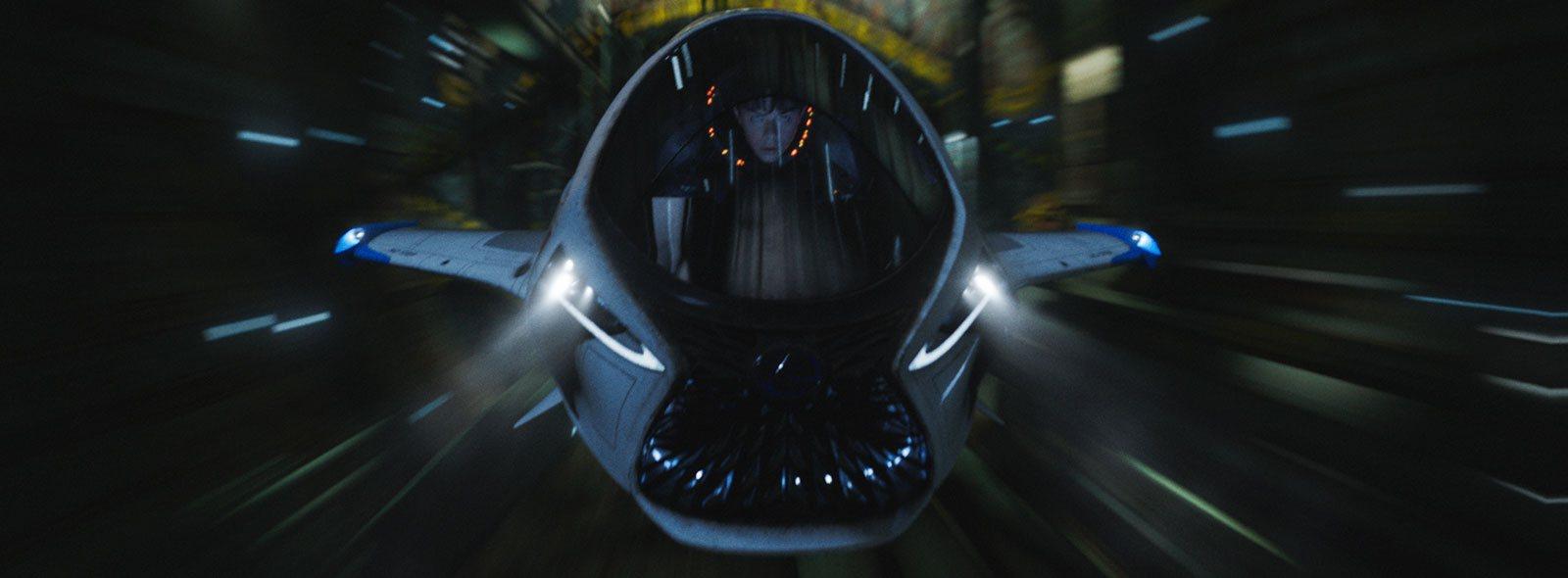 Vista frontal de la nave Skyjet pilotada por Valerian