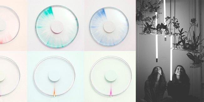Reloj que usa un líquido con rayos ultravioleta y propiedades de decoloración