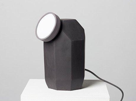 Lámpara alimentada por tecnología inalámbrica