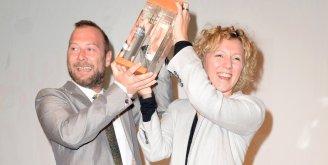 Entrega de trofeo a los ganadores de 2015