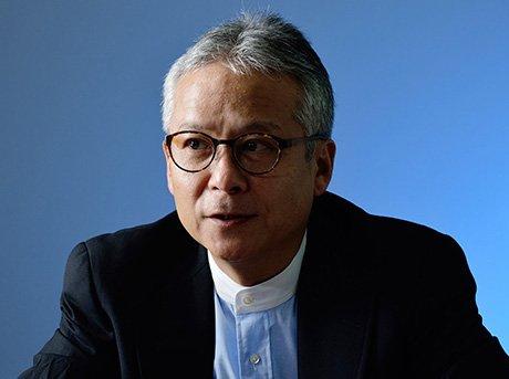 Primer plano del cientifico Hiroshi Ishi