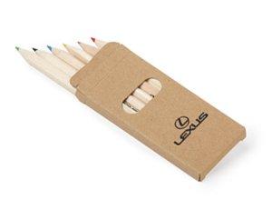 Vista detalle de lápices para colorear cuaderno infantil
