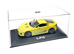 Replica de juguete a escala del LFA color amarillo