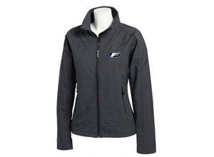 Vista frontal del chaqueta negra de señora con logo F sport blanco