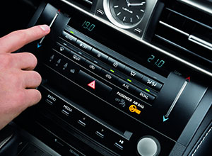 is 300h climate control
