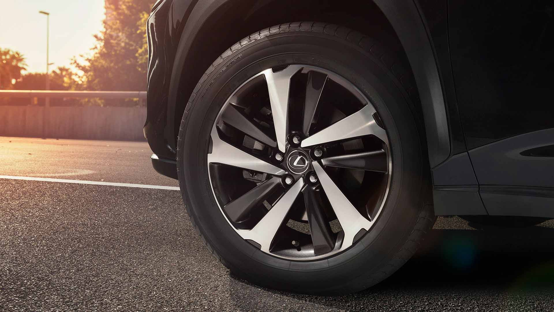 2018 lexus nx my18 features alloys 18
