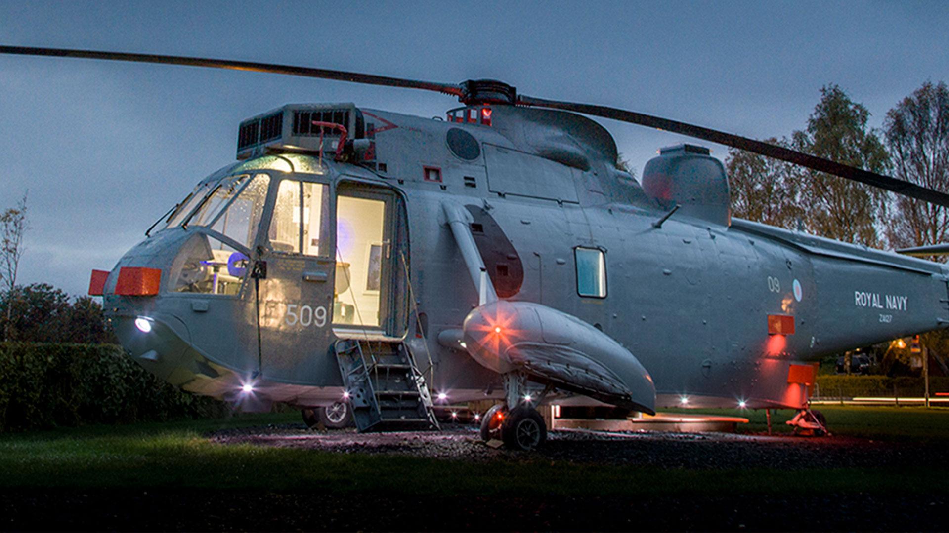 Disfruta de tus vacaciones en un helicóptero transformado en un hotel de lujo