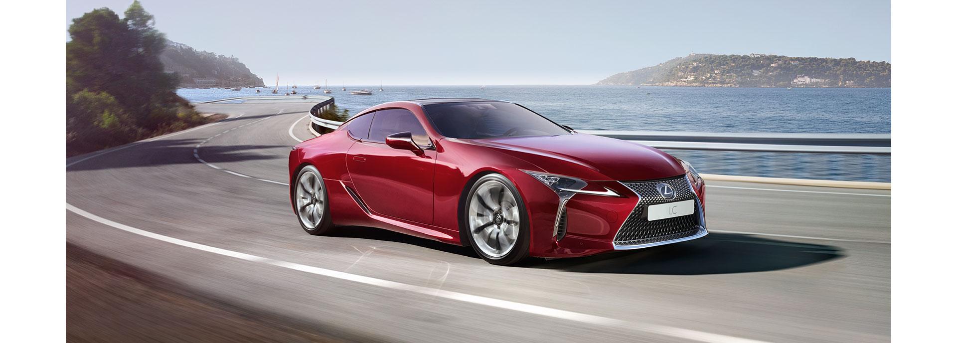 punainen Lexus LC 500