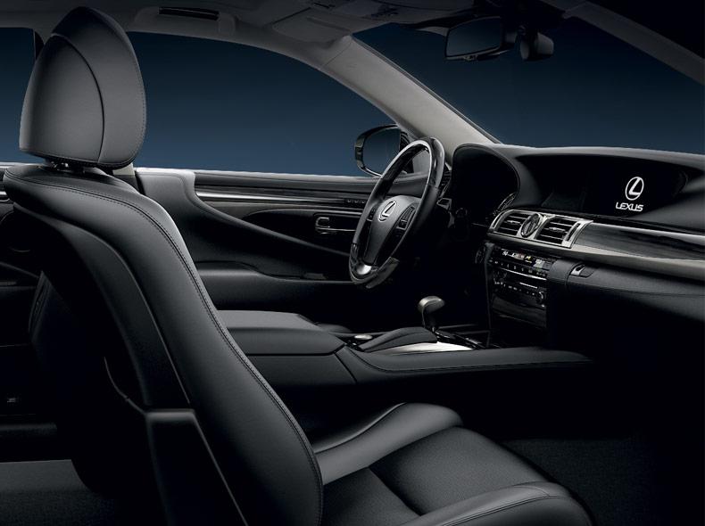 Lexus LS 600h Hybrid sisältä