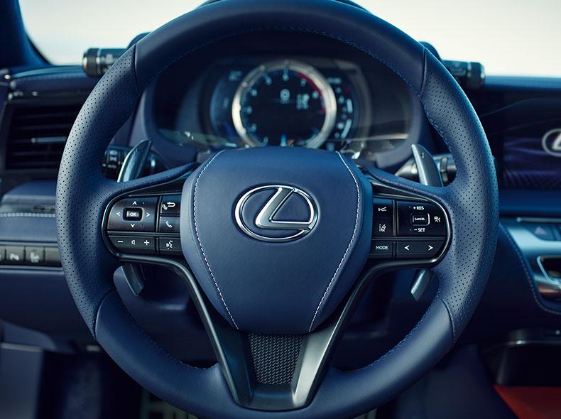 2017 Lexus LC 500h Interior Gallery 005