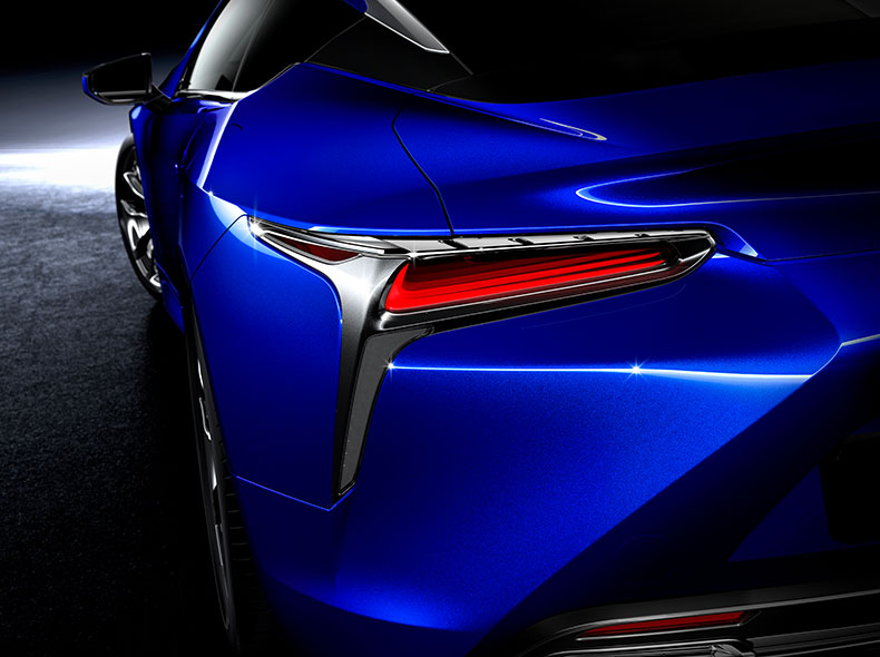 2017 Lexus LC 500h Design Gallery 003