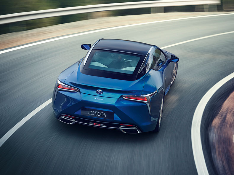 2017 Lexus LC 500h Driving Gallery 002