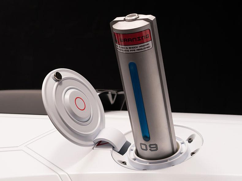 Il gruppo di batterie a celle combustibili dello SkyJet dalle dimensioni di una bottiglietta d acqua
