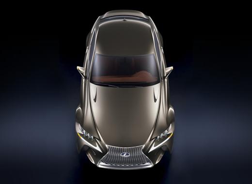 Vista dall alto della concept Coupé LF CC Full Hybrid