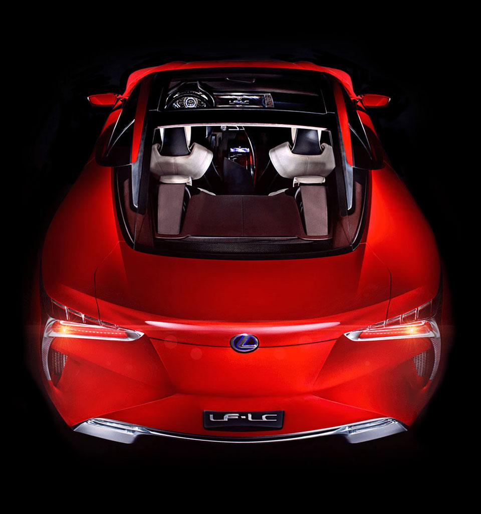 Vista posteriore dall alto della concept coupé LF LC ibrida sportiva colore rosso