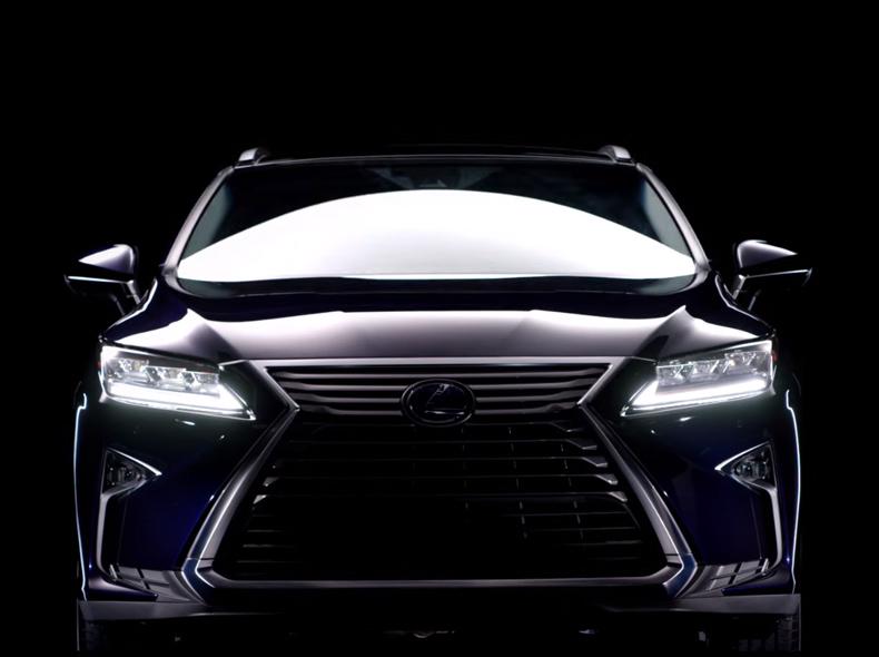Vista anteriore di Lexus RX Hybrid