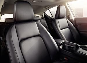 La pelle ecologica pregiata ed esclusiva dei sedili rende unici gli interni di Lexus CT Hybrid ICON