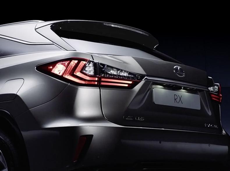 Задние светодиодные фонари L образной формы Lexus RX350