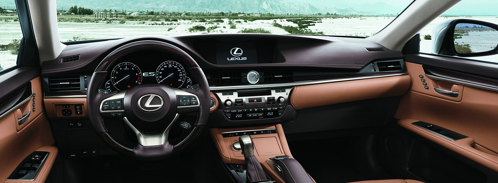 Роскошный интерьер нового седана премиум класса Lexus ES 250