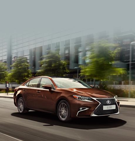 Автомобили премиум класса Lexus ES