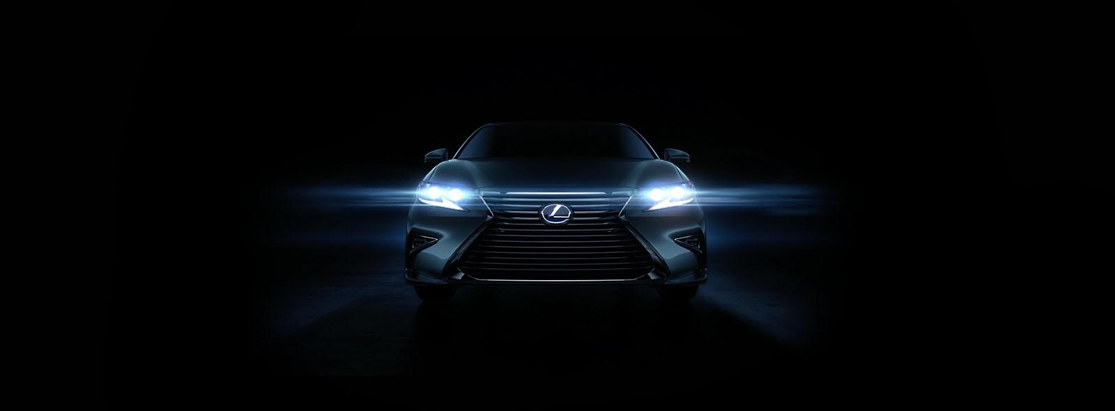 Новый Lexus ES 200 вид спереди на передние светодиодная фары