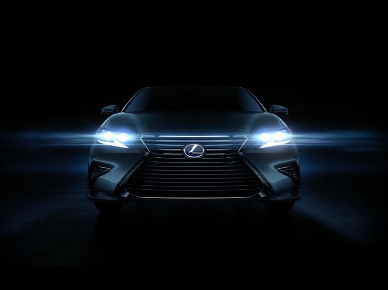 Новый Lexus ES 350 вид спереди на передние светодиодная фары