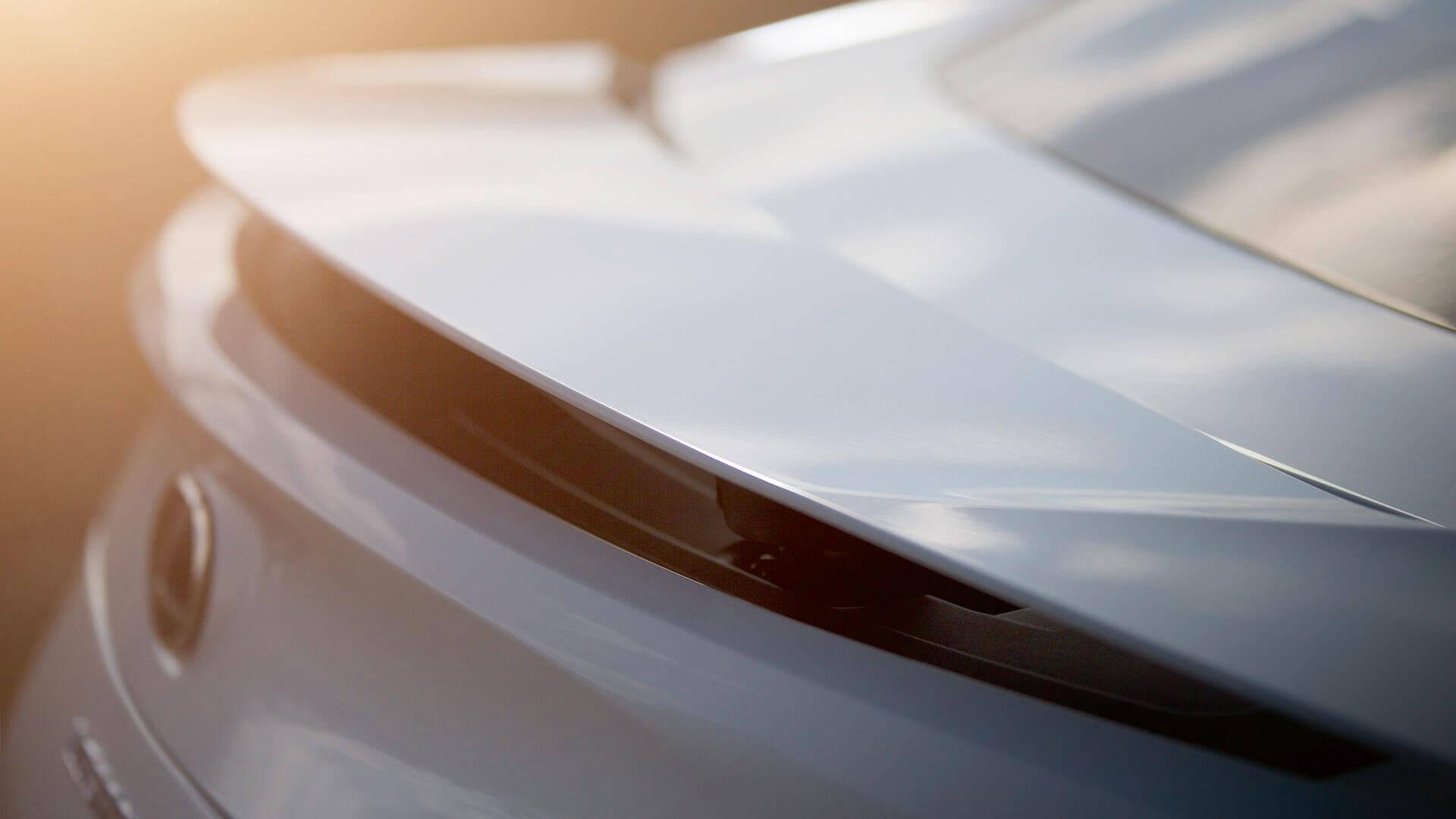 2017 lexus lc 500h features rear spolier