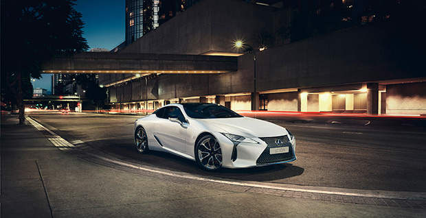 Lexus LC 500h Launch Edition is Grand Dessert van The White Dinner