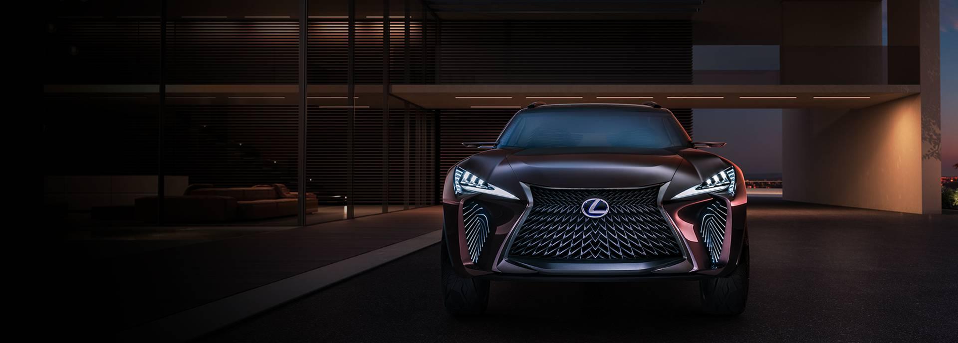 Vooraanzicht stilstaande bruine Lexus UX Concept
