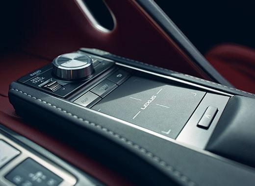 Het interieur van een Lexus LC 500