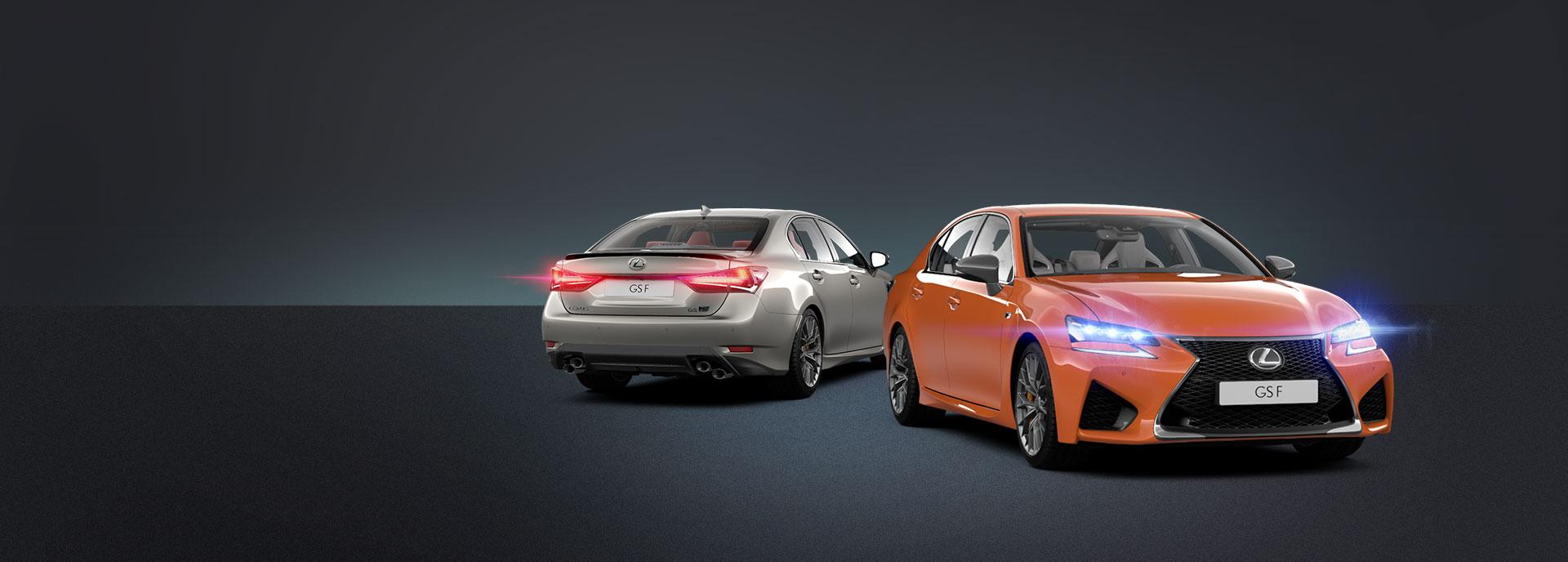 Achteraanzicht van een grijze en vooraanzicht van een oranje GS F