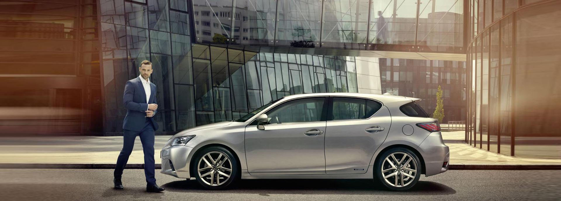 Lexus CT 200h Luxury Line achterkant zilvergrijs