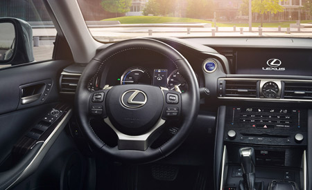 Interieur van een Lexus IS300h