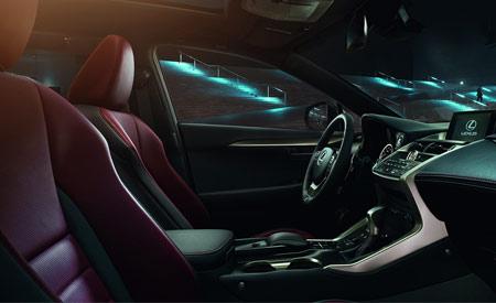 Het interieur van een Lexus NX300h met lederen bekleding