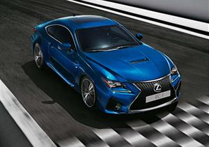 Bovenaanzicht blauwe Lexus RC F