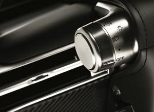 Net als elk ander meesterwerk wordt ook een V10 motor van Lexus met de hand gebouwd